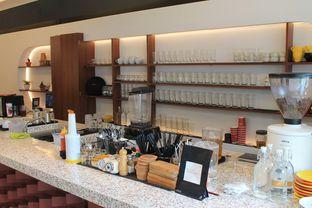 Foto 7 - Interior di Routine Coffee & Eatery oleh Prido ZH