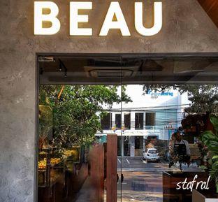 Foto 1 - Interior di BEAU Bakery oleh Stanzazone