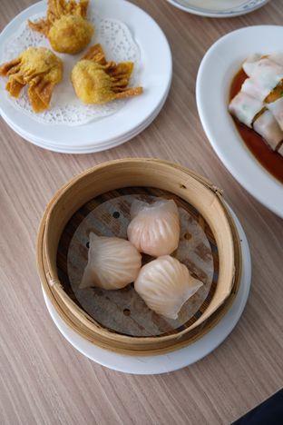 Foto 3 - Makanan(hakau udang) di Yum Cha Hauz oleh IG : Heyyunita