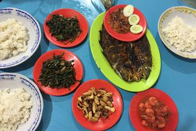 Foto Seafood Artomoro Pak Kumis