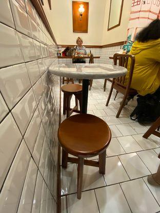Foto 11 - Interior di Hang Tuah Kopi & Toastery oleh Levina JV (IG : levina_eat )