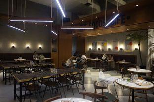 Foto 4 - Interior di The Goods Cafe oleh yudistira ishak abrar