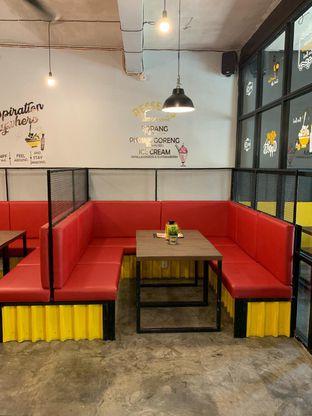 Foto 4 - Interior di Warung Kukuruyuk oleh Ken @bigtummy_culinary