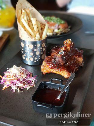 Foto 8 - Makanan(16 hr Slow Cooked Pork Ribs) di Cassis oleh JC Wen