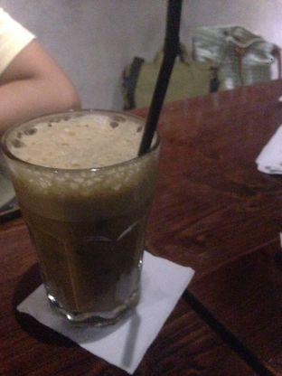 Foto 1 - Makanan di Meet Me Cafe oleh Olivia @foodsid