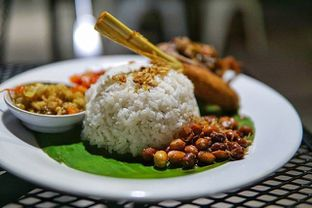 Foto 2 - Makanan di Eat Boss oleh instagram : kohkuliner