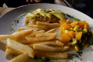 Foto 1 - Makanan di Ludwick Cafe oleh Dewi Tya Aihaningsih