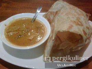 Foto 1 - Makanan(Roti Canai Beef curry) di Penang Bistro oleh UrsAndNic