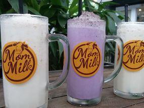 Foto Mom Milk