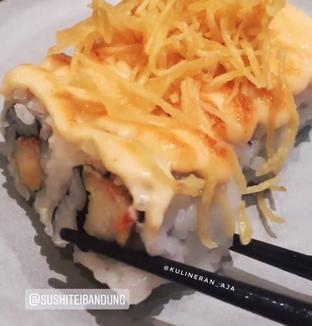 Foto 6 - Makanan(kani mentai mayo roll) di Sushi Tei oleh @kulineran_aja