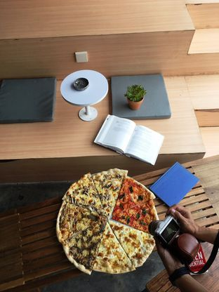 Foto 26 - Makanan di Sliced Pizzeria oleh Prido ZH