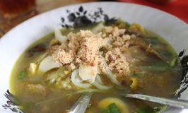 Soto Ayam Kampung Cak Mu'in