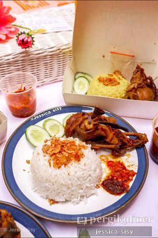Foto review Nasi Kuning Plus - Plus oleh Jessica Sisy 1