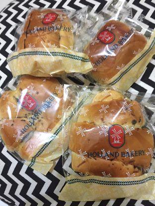 Foto 6 - Makanan di Holland Bakery oleh yudistira ishak abrar