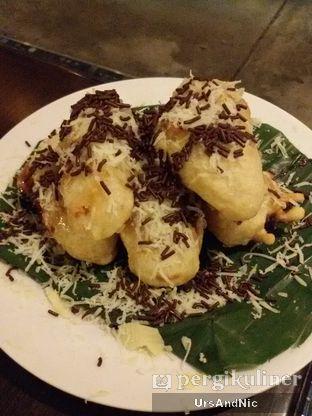 Foto 6 - Makanan(Tape goreng keju coklat) di Koffie Warung Tinggi oleh UrsAndNic