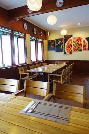 Foto 7 - Interior di Meranti Restaurant oleh inggie @makandll