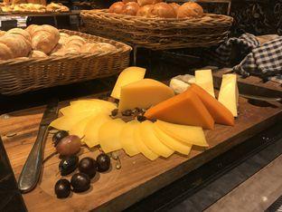 Foto 3 - Makanan di Catappa Restaurant - Hotel Grand Mercure Kemayoran oleh Lakita Vaswani