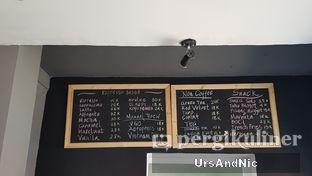 Foto 5 - Interior di Nongkee Coffee oleh UrsAndNic