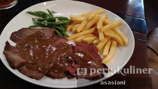 Foto 1 - Makanan(Wagyu roast beef) di Dandy's Steak and Coffee House oleh Asasiani Senny