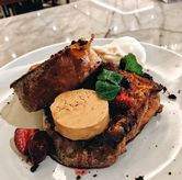 Foto Brulee French Toast di Common Grounds