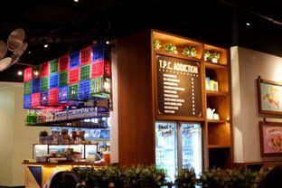 Foto 22 - Interior di The People's Cafe oleh Deasy Lim