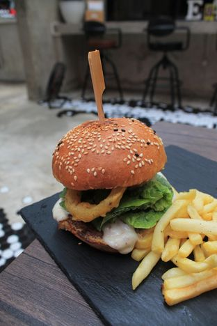 Foto review Dope Burger & Co. oleh Prido ZH 35