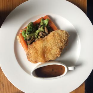 Foto 15 - Makanan(chicken cordon bleu) di The Harvest oleh Yulia Amanda