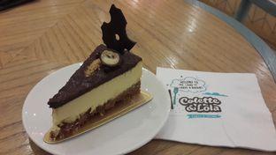 Foto 1 - Makanan(Cheesecake Ovomaltine) di Colette & Lola oleh Chrisilya Thoeng