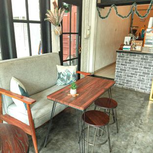 Foto 25 - Interior di Jonbon's Coffee & Eatery oleh duocicip