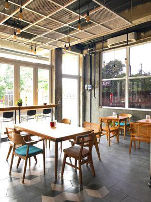 Foto 14 - Interior di Monty's Kitchen & Coffee oleh yudistira ishak abrar