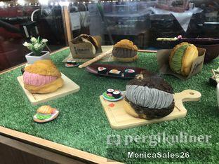 Foto review Hokkaido Icecream Puff oleh Monica Sales 4