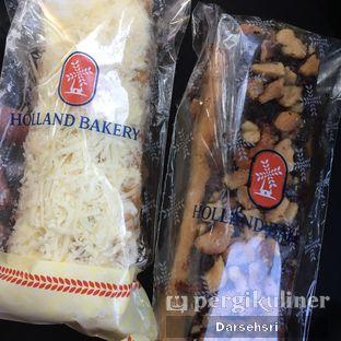 Foto review Holland Bakery oleh Darsehsri Handayani 2