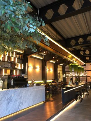Foto 9 - Interior di Paladin Coffee + Kitchen oleh FebTasty  (Feb & Mora)