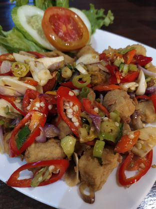 Foto 4 - Makanan(Tahu balatak) di Pojok Nasi Goang oleh Anne Yonathan
