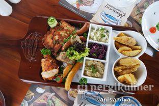 Foto review Bavarian Haus Bratwurst & Grill oleh Anisa Adya 8