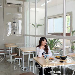 Foto 2 - Interior di Threelogy Coffee oleh Ectararin