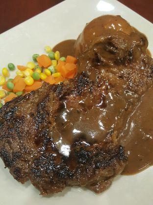 Foto 5 - Makanan di Joni Steak oleh Stallone Tjia (@Stallonation)