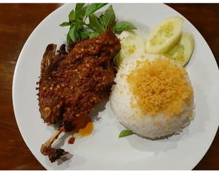 Foto - Makanan di Bebek Bentu oleh User  Alu
