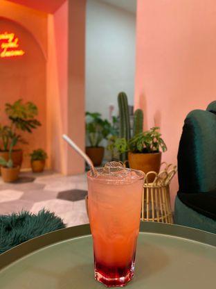 Foto 1 - Makanan(sunberry punch) di Deja Coffee & Pastry oleh Jeljel