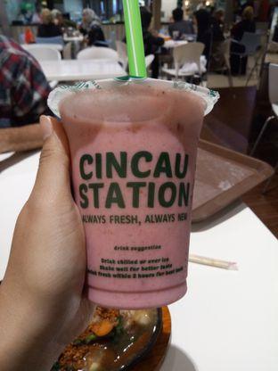 Foto - Makanan(Strawberry Milk Tea) di Cincau Station oleh Ratu Aghnia