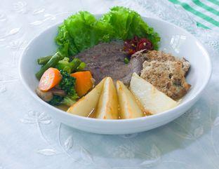 Foto 4 - Makanan(Otentik Bistik Komplit) di Bistik Delaris oleh Atika Sumarsono