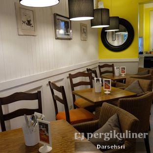 Foto 5 - Interior di Frenchie oleh Darsehsri Handayani
