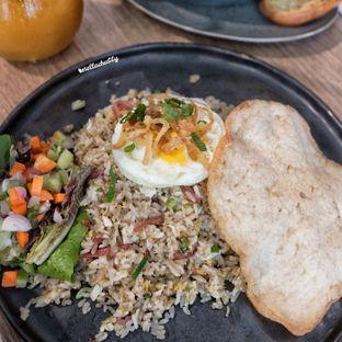 Foto 1 - Makanan(Nasi goreng smoked beef) di Billie Kitchen oleh Stellachubby