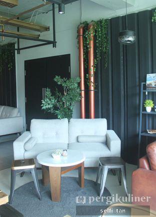 Foto 3 - Interior di Watt Coffee oleh Selfi Tan