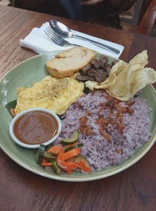 Foto 2 - Makanan(Nasi Uduk Oeang (IDR 40k) ) di _Oeang oleh Renodaneswara @caesarinodswr