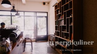 Foto 3 - Interior di Say Something Coffee oleh Oppa Kuliner (@oppakuliner)