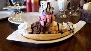 Foto 3 - Makanan di Braga Permai oleh Eat Drink Enjoy