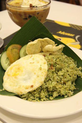 Foto 2 - Makanan(Nasi Goreng Babat Cabe Ijo) di Chop Buntut Cak Yo oleh Melisa Stevani