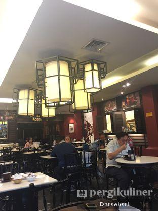 Foto 6 - Interior di Old Town White Coffee oleh Darsehsri Handayani