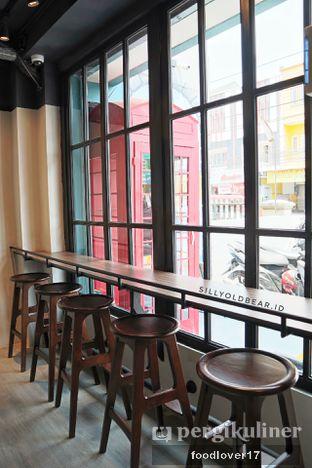 Foto 12 - Interior di Dopamine Coffee & Tea oleh Sillyoldbear.id
